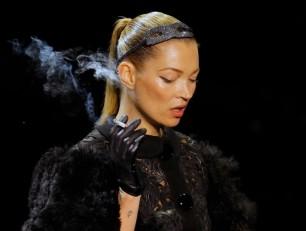 Kate Moss Pari sfashion week Louis Vuitton 2011